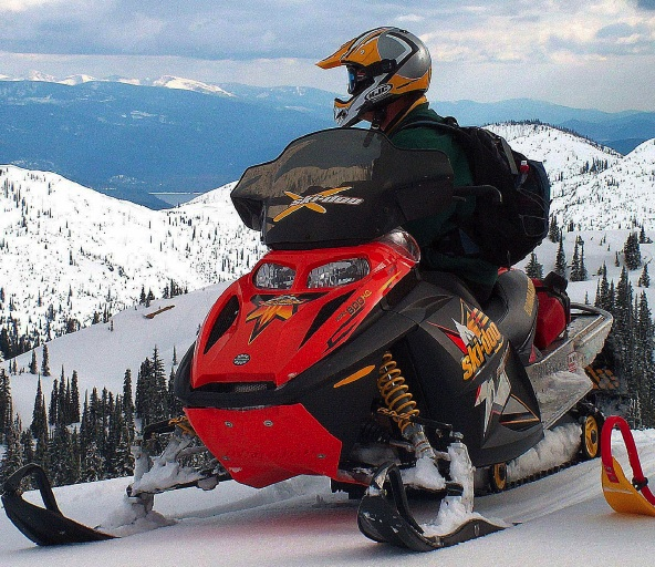 Snowmobiling Priest Lake